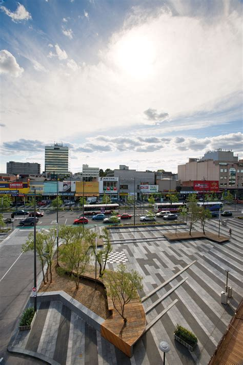 Lonsdale Street Dandenong / BKK Architects | ArchDaily