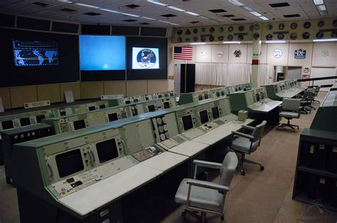 NASA marks 50 years of Mission Control, plans Apollo room